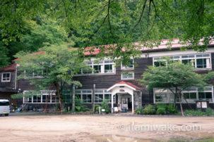 長野県、木沢小学校へ。誰でも見学可能な木造廃校で素敵な写真を撮る。レトロな雰囲気を無料で楽しめます
