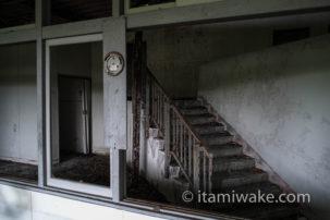 まさに珍スポット!朝鮮学校の廃墟に潜入!迷路のような独特すぎるデザインが素晴らしい
