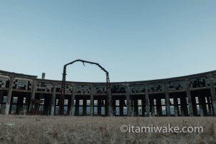 九州の超有名廃墟!大分の豊後森機関庫と転車台の美しい姿を写真におさめた