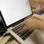 MacBook Proの文字入力が快適に!フリップスタンドつけたらタイピングの神になった